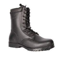 Αρβύλα-μπότα στρατιωτικού τύπου