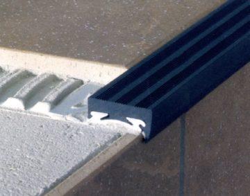 Αντιολισθητικό προφίλ PVC σκαλοπατιού