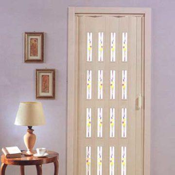 Πτυσσόμενη πόρτα φυσαρμόνικα λευκή με δύο τζαμάκια 2.30m